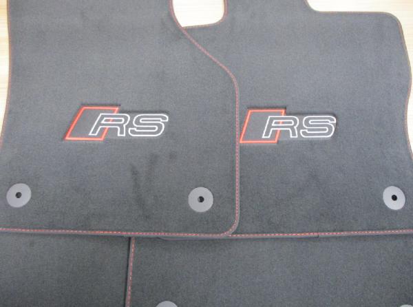 Original Audi RS3 (8V) Textifußmatten Verlours Fußmatten schwarz crescendorot
