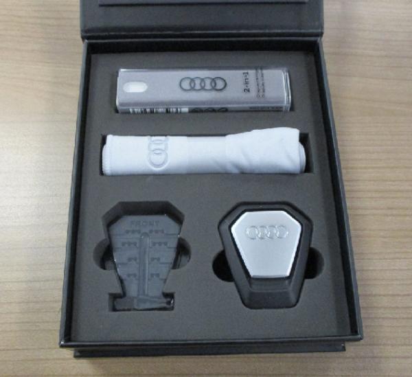 Audi Original Displayreiniger (MMI Touchdisplay) ,Duftspender 80A057800 NEU