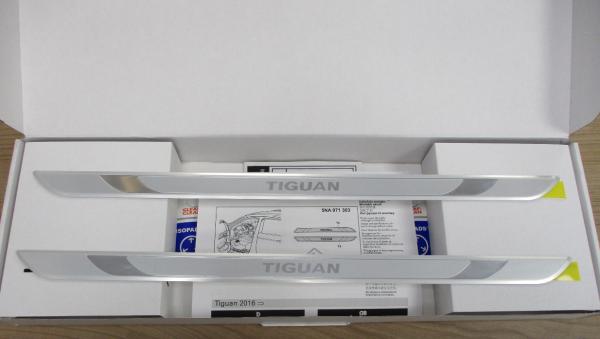 Original Volkswagen Einstiegsleisten für VW Tiguan 5NA071303 NEU